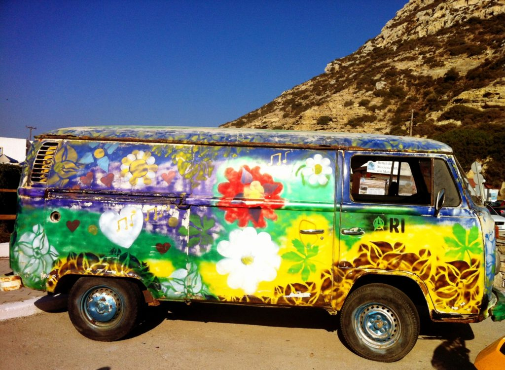 matala-hippie-bus